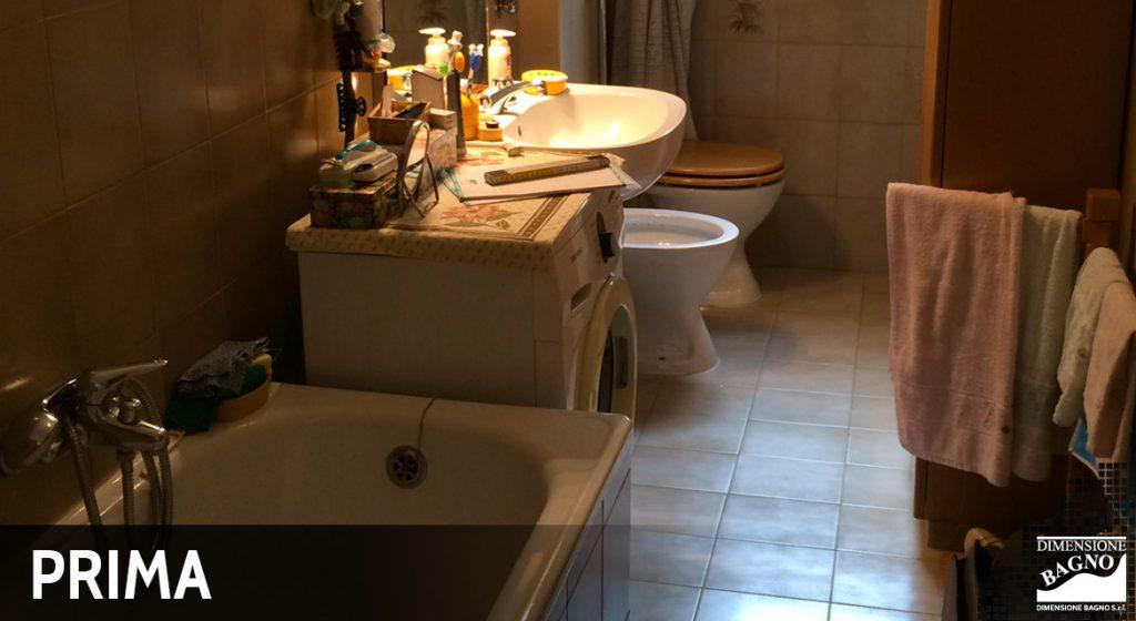 Bagno prima ristrutturazione con box doccia